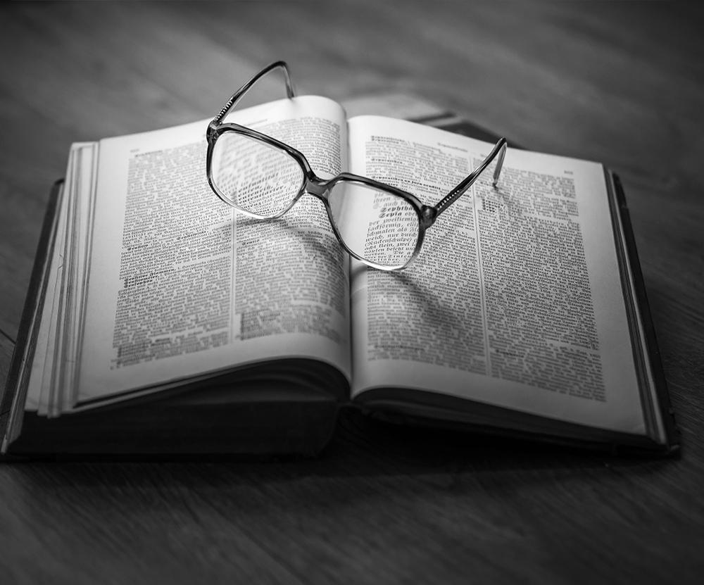 livre de droit et conseil matrimonial chez le notaire à Toulon